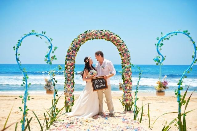 Luxe beach wedding