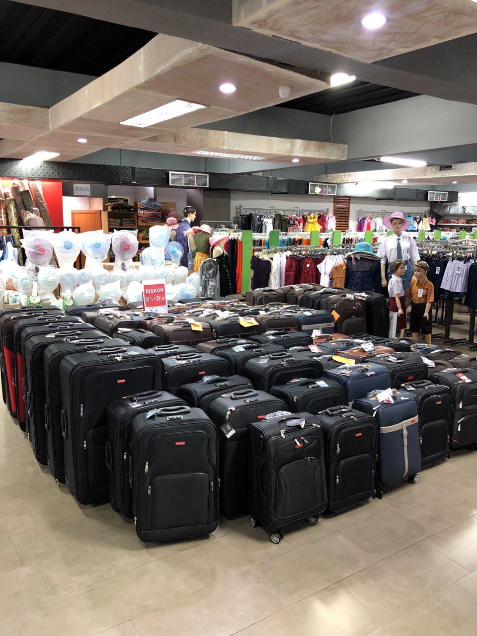 Купить чемодан в тц